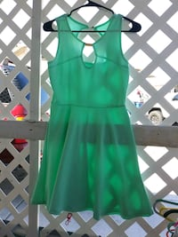 green scoop-neck sleeveless dress Las Vegas, 89122