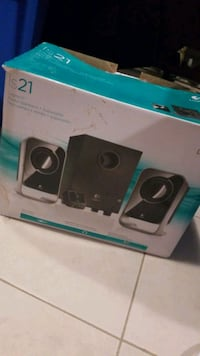 Logitech  IS21 stereo speakers + subwoofer Etobicoke, M9R