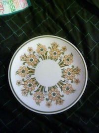 white and beige floral ceramic plate Sebring, 33870