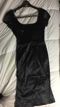 Women's black satin scoop neck cap-sleeve maxi dress Surrey, V4P 2M1
