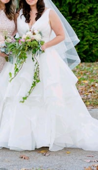 Bridal gown and fingertip length veil Swedesboro, 08085