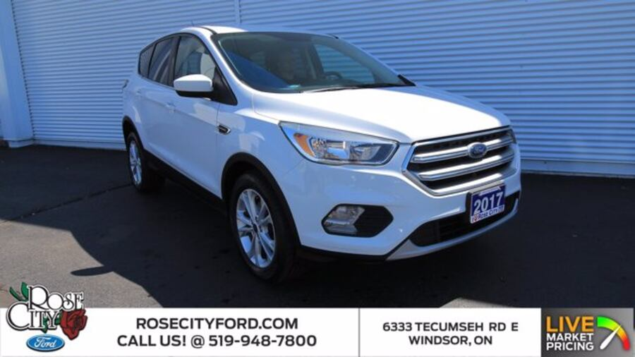 2017 Ford Escape SE / ACCIDENT FREE / BACK UP CAM / HEATED SEATS / b36094b3-dd38-4420-8bed-fb4c97b376aa