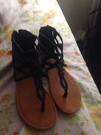 pair of black-and-brown sandals Alexandria, 22311