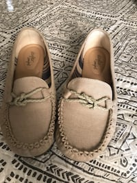 Pair of brown leather loafers New York, 11229
