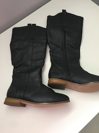 Dark Grey Boots 7-7.5 Mississauga, L5B 2P2