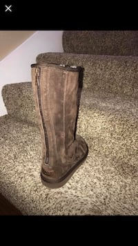 Ugg boots size 6 new perfect
