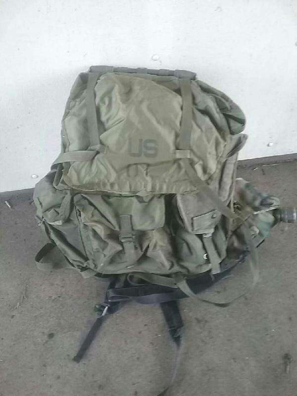 Used green and gray U.S. army backpack for sale in Inver Grove Heights -  letgo e7abdcb3a235e