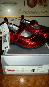 Girl's New Shoes, Size 4 Norcross, 30093