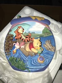 Collector Winnie the Pooh plates  North Middlesex, N0M