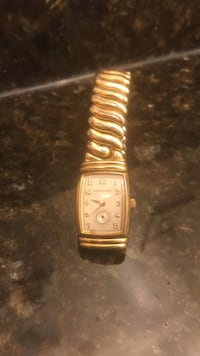 square gold analog watch with gold link bracelet Frederick, 21702