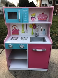 Kid's Play Kitchen Eastpointe, 48021