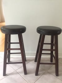 2 bar stools Vaughan, L4J 8V4