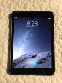 iPad Mini - 16GB - grey + cover 535 km