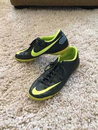 Nike Indoor Soccer Shoes Calgary, T2Y 2W4
