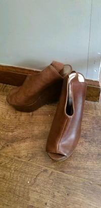 Size 7  shoes, very comfortable  Millville, 01529