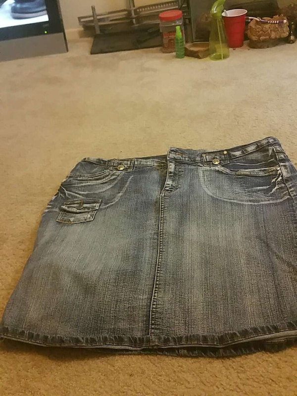 Plus size female jean skirt.