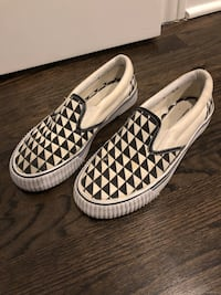 Black/White checkered slip on size 7.5 Melrose Park, 60160