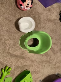 Potty chair and bath toy frog Baltimore, 21236