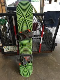 Gnu snow board with gnu bindings 58 inches Dover, 03820