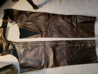 Harley Davidson brown distressed leather chaps. Fort Erie, L2A 2V2