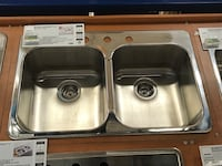 stainless steel sink with faucet / levier en acier inoxydable avec robinet Laval, H7G