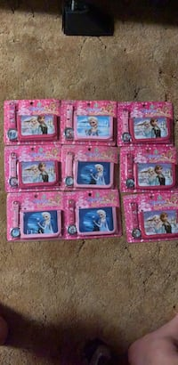 Frozen  Anna and Elsa Watch and Wallet sets Stephens City, 22655