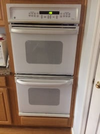 GE double oven. Lower oven needs new thermostat. Packaged for easy pickup.  Manassas