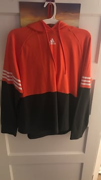 Red and white adidas pullover Montgomery, 36107