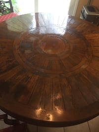 Round brown real wooden dinning table with 4 chairs Woodbridge, 22193