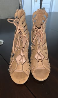 Shoes from spring Brampton, L6T 4G8