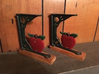 Metal and wood apple decorations bookends Grand Rapids, 49508