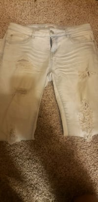 Ladies distressed ripped jeggings, sz 6.