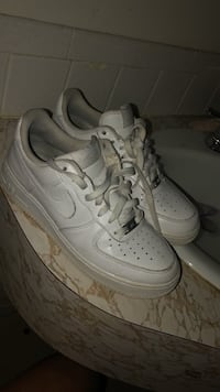 pair of white Nike Air Force 1 low shoes 687 mi