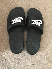 d59e2bdc6c6 Used Nike slide ins for sale in COLUMBIA - letgo