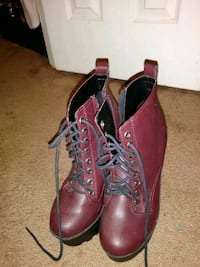 pair of brown leather boots Chesapeake, 23325
