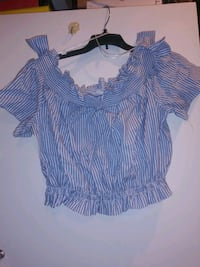 Shirt Large, very cute top has a bow on both sides on the shoulders! Lake Forest, 92630