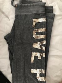 vsPink sweats size XS but can fit Small Edmonton, T5X 5M5