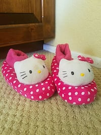 Hello kitty slippers size 9-10 toddlers  La Quinta, 92253