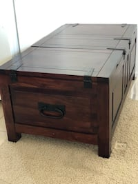 Solid wooden storage chest/ trunk/coffee table  Santa Monica, 90401