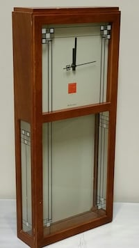 """BULOVA"" WOOD, QUARTZ-MOVEMENT WALL CLOCK (Missing the Pendulum ) Arlington, 22204"