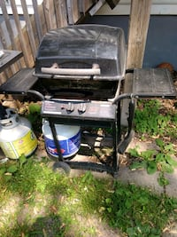 black and gray gas grill Welland, L3C 4M3