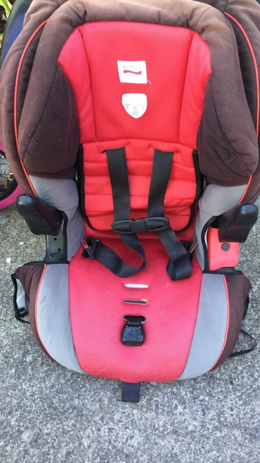 used black and red britax car seat in santa rosa. Black Bedroom Furniture Sets. Home Design Ideas