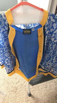 Blue and yellow 2 pc shirt set Bossier City, 71112