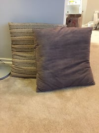 two gray and black throw pillows Alexandria, 22314