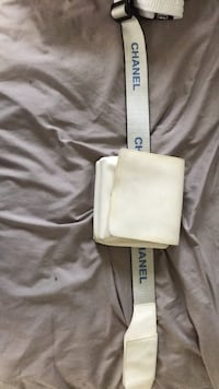 Chanel  fanny Pack White Plains, 20695