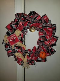 red and black Chicago Bulls wreath