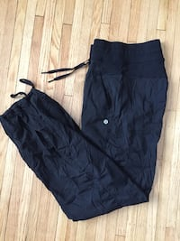 Lululemon studio size 4 &  8 Kitchener, N2B 1H1