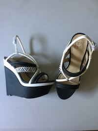 Black and white GX wedges size 9 SYKESVILLE