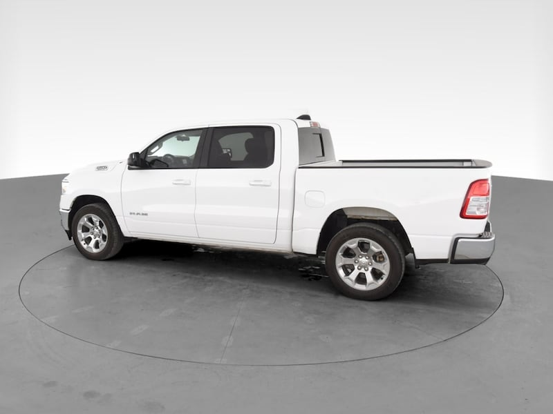 2019 Ram 1500 Crew Cab pickup Big Horn Pickup 4D 5 1/2 ft White 5