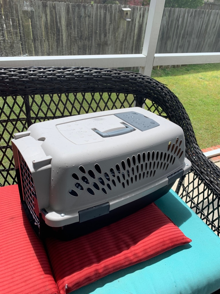 Photo Pet carrier used one time 24x14x11 cats or small dog